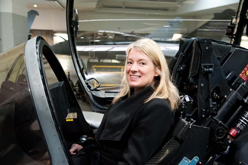 Bérangère Abba dans le cockpit