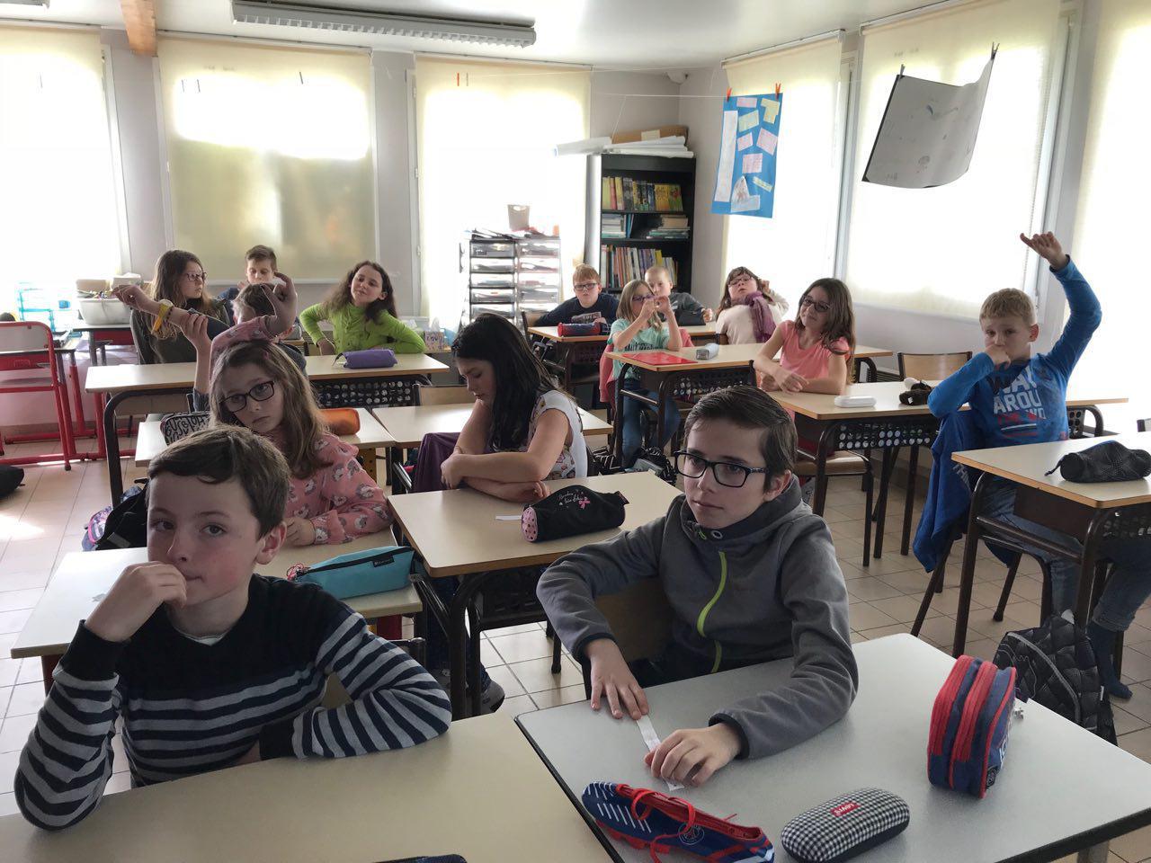 Les CM2 de l'école de Longeau ont posé leurs questions à la députée Bérangère Abba